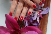 Red ready, by COCO Nails / All the red tones for your Nails!