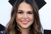 Sutton Foster Hair / Get your Sutton Foster hair inspiration here. From the creator of Sex and The City, 'Younger' stars Sutton Foster, Hilary Duff, Debi Mazar, Miriam Shor and Nico Tortorella. Watch now On Demand and on the TV Land App: tvland.com/app.