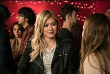 Kelsey's Style / Get Kelsey's (Hilary Duff) look here. From the creator of Sex and The City, 'Younger' stars Sutton Foster, Hilary Duff, Debi Mazar, Miriam Shor and Nico Tortorella. Watch now On Demand and on the TV Land App: tvland.com/app.