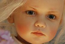 Sissel skille / Dukker laget av den internationalt anerkjente dukkemakeren Sissel Bjørstad Skille fra Salangen. Nå bosatt i Trondheim.   Og en fantastisk trivelig dame.
