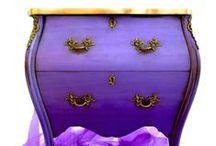 Mercedes furniture art / Mercedes Murat's furniture art. Mercedes uses the traditional craftsmanship; decorative painting, gilding and upholstery mixed with an innovative mindset. The end result is unique furniture art. Mercedes Murat´s möbelkonst. Mercedes använder de traditionella hantverken dekormåleri, förgyllning och möbeltapetsering tillsammans med ett innovativt tänk. Slutresultatet unik möbelkonst.