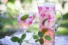Cocktails / Delicious cocktails, recipes, and unique drink ideas!