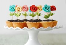 Cakes & cupcakes / Cakes  / by Jessica
