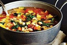 Soup, stews & chili / by Anne Saulter