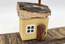 Driftwood; Cottages, houses and boats / Miniature cottages and houses made with driftwood and reclaimed materials.