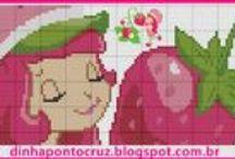 Turma da moranguinho ponto cruz / Grafico e Monograma (gráficos feitos por Dinha ponto cruz e Carina Cassol)