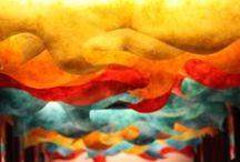 La sede di Boiron Italia / Per favorire il benessere dei dipendenti, aiutandoli a sviluppare la creatività, gli uffici e i mobili della sede di Boiron Italia a Segrate (MI) sono stati decorati con colori accesi da Gregorio Mancino, artista ideatore della Moviment Art. Gli uffici ospitano anche più di 200 opere che rappresentano l'Omeopatia, donate dagli artisti ad Omeoart, Associazione Culturale Boiron.