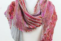 Shawls to be knitted / Mostly lace or lacelike triangular shawls