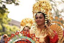 red & gold // Indonesian wedding / Traditional Minangkabau wedding ceremony inspiration
