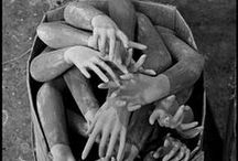 let's give 'em a hand / by Kay Foulke