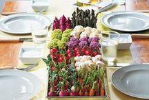 ΙΔΕΕΣ για ΤΡΑΠΕΖΙΑ-ΜΠΟΥΦΕΔΕΣ / Table decorations and food serving ideas / by Soulouposeto