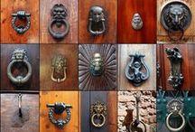 KAPI TOKMAKLARI / İtalya'nın, ROMA, VENEDİK, NAPOLİ VE FLONRANSA kentlerinde çekmiş olduğum kapı tokmakları