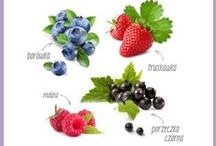 """Power Fruits / Wystartowaliśmy! Poznaj """"Niezwykłe właściwości zwykłych owoców"""" i odwiedź stronę: www.power-fruits.eu. Znajdziesz tam mnóstwo informacji o kampanii i jej bohaterach - truskawce, malinie, porzeczce i borówce, jak również przepisy na pyszne dania z wykorzystaniem owoców jagodowych, porady oraz gry i quizy.  Chcesz wiedzieć więcej o niezwykłych właściwościach owoców jagodowych i odkryć siłę, która w nich drzemie? Zacznij już teraz!"""