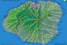 Kauai Maps / Kauai geography is fascinating.. Take a look at these various maps when learning a bit more about the garden island. Note the one road that goes around the island and the interior of the island is inaccessible by car!