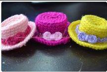 *1poupees chapeaux et bonnets / chapeaux et bonnets pour poupees