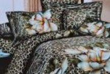 Lenjerii de pat 3D 1+1 gratis | allgifts.ro / Lenjerii de pat 1+1 gratis  Lenjerie de pat confecționate din 30% bumbac si 70% microfibra. Setul este compus din: – cearceaf pilota 200/220 cm; – cearceaf de pat 220/220 cm; – 2 x fata de perna 70/70 cm;