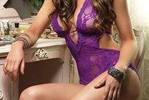 Bodys Sexy / Compagnon intime de vos nuits, le body sexy épouse les courbes du corps à la perfection pour rendre la femme craquante et irrésistible... au centre de toutes les attentions !  #lingerie #body #femme #sexy