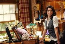 Style icon: Lauren Graham (Gilmore Girls) / Lauren Helen Graham (born: 16 March 1967 in Honolulu, Hawaii, USA) played the role of Lorelai Victoria Gilmore, a single mother full of energy and friends