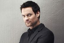 Shane West / Shannon Bruce Snaith (born: 10 June 1978 in Baton Rouge, Louisiana, U.S.) is an actor, pop rock musician and songwriter. He was also the lead singer of the band The Germs