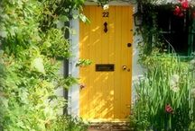 Doors / Color, shape and hardware. Beautiful / by Tammy McGhee