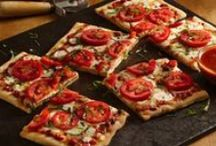 Pizza! / Who doesn't love pizza? I am a pizza lover and looking for all types of pizza recipes.