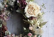 Dried Flowers / Ideas for drying flowers.  Crafts with dried flowers.