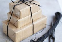 Gåvor / GIFTCARDS • WRAPPINGS • PRESENTS
