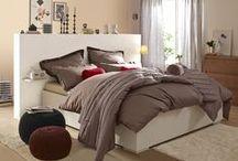Schlafzimmer / In wohliger Atmosphäre kommen wir zur Ruhe und starten mit Energie in den neuen Tag. Holt euch hier Inspiration für euer Schlafzimmer. Mehr dazu: http://tchi.bo/Schlafzimmer.