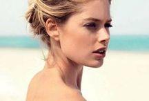 Doutzen ... / Doutzen Kroes , geboren in Nederland op 23 januari 1985 in Oostermeer (Eastermar) , Friesland.  Top model en actrice...getrouwd met Sunnery James Gorré.... Ze hebben 2 kinderen,... zoon Phyllon Joy Gorré (21 januari 2011) en dochter Myllena Mae Gorré (30 juli 2014).  Ze wonen afwisselend in New York en in Nederland. Ze heeft nog een zus Rens Kroes, voedingscoach en auteur van haar eigen boek Powerfood ...