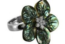 Jewelry: Rings
