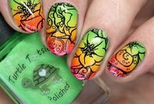 Nail Art: Gradient / nail art with multicolored gradients