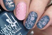 Nail Art: Matte / nail art featuring nail polish with a matte top coat