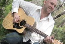 Pre Dinner Entertainment / If you're having your wedding reception in a garden, park, winery or beach location, have you considered an acoustic guitarist to provide your pre dinner drinks entertainment? Top-Notch is a  popular professional wedding guitarist.