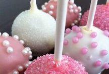 Muffins, Cupcakes & Co / Brownie, Muffin oder Mini-Gugelhupf - hier findet ihr kleine Kuchen für jede Gelegenheit - Klassisch, trendy & cool