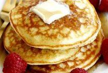 Pfannkuchen / Crêpes / Crespelle / Pancakes / Eierkuchen / Plinsen –   Ein Blick über die Grenzen zeigt: Ob süß oder pikant – die goldgelben Prachtstücke zählen international zu den Leibgerichten. Genießen Sie mit uns Rezepte aus vielen Ländern.