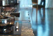 Cucine Marchetti Maison modello BORDOLESE LONDRA / Arredamenti Felice Palma è esclusivista di zona per il marchio #Marchetti Maison Le cucine Marchetti sono sinonimo di #eleganza, #raffinatezza, ma al tempo stesso di accoglienza e familiarità. Tra le peculiarità troviamo la cura dei #dettagli, improntati sulla semplicità e sulla riscoperta delle tradizioni. #cucine #cucinedesign #spazio #consigli #legno #tavoli #sedie #qualità #ricercatezza #tradizione #madeinitaly #artigianalità