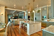 Love that kitchen!  / by Beth Ehemann