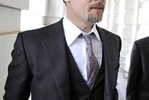 Mode hommes / La mode et les objets de mode pour les hommes. La tendance, le look, la qualité des matiaux, le style: un homme élégant et raffiné est un homme qui connait les bonnes adresses pour s'habiller: sur soliles.com vous n'allez pas vous tromper.