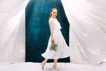 """Vegane Brautkleider / Sprich uns bei Interesse gerne auf das Thema """"vegane Brautkleider"""" an, denn viele Kleider unserer aktuellen Brautmoden Kollektion können, mit kleinen Änderungen, als veganes Hochzeitskleid angefertigt werden!  Unser Brautkleid Zweiteiler Estelle kann auf Wunsch auch als veganes Brautkleid für die Hochzeit geschneidert werden. Die französische Spitze des Hochzeitskleides ist aus reiner Baumwolle gefertigt und für den Rock dient ein hochwertiger Chiffon aus England als veganer Ersatz."""