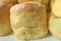Scones / There is no better snack than a freshly baked scone! Easy Scone Recipe, 3 Ingredient Scones, Lemonade Scones, Scones with Jam and Cream, Chocolate Scones, Blueberry Scones, Apple Scones, Fruit Scones, Savory Scones