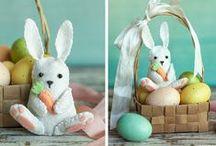 Lavoretti per Pasqua in feltro / DIY Easter felt / Una ricca ispirazione di lavoretti per Pasqua in feltro. Tante idee colorate, simpatiche ed originali da creare facilmente anche insieme ai bambini!