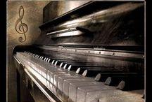 Pianos y teclados - Pianos and keyboards