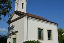Szent Anna Kápolna / Az agárdpusztai Szent Anna-kápolna, ahol Gárdonyit megkeresztelték. Szent Anna-kápolna (az épületet 2013-ban felújították, valamint Spányi Antal, székesfehérvári megyés püspök ismét felszentelte)