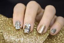 Uñas para navidad / Ideas para darle un toque navideño a tus uñas.