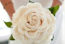 Composite Bouquet // Glamelia / Composite Bouquet styles, also known as glamelia, malmaison, rose duchess