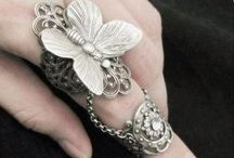 Jewellery / by Vintage Smart