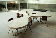 Toimistojen stailaus- ja suunnitteluideoita / Miten suunnitella toimiva ja käytännöllinen toimistotila? Voiko toimistotilassa ottaa yrityksen brändin huomioon? Keräämme tähän tauluun innovatiivisia ideoita jotka toimivat inspiraationamme suunnittelussamme.