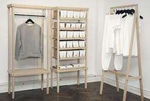 Myymälöiden stailaus- ja suunnitteluideoita / Miten suunnitella houkutteleva myymälä jossa brändisi näkyy sisään astuessa? Miten luoda houkutteleva myyntihylly tai laittaa haastavat tekstiilit esille myymälään? Keräämme tähän tauluun ideoita joita käytämme suunnittelussamme inspiraationa.