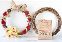 DIY WREATH KIT / Kit includes everything to create your own wreath. You only need inspiration and 15 min of your time, and you're on your way! Hang your wreath on the front door or any wall in the house! A wreath also makes a gorgeous centerpiece for your table. Have fun, create and share with us!     All materials are eco-friendly     Simple to assemble     Endless fun creating     Create your own decoration     Unique decor made by you