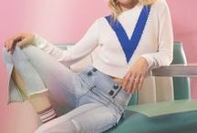 Remix the 90's / More than just inspiration: the 90's are the inner soul of the new Please Diaries editorial! The pop and carefree atmosphere and the American dreaming come to a new life by an unmistakable styling: oversize fittings, colorblocks and overlappings that perfectly match the many #Pleasedenim items. And don't forget about personality, the key for any unique 90's look!